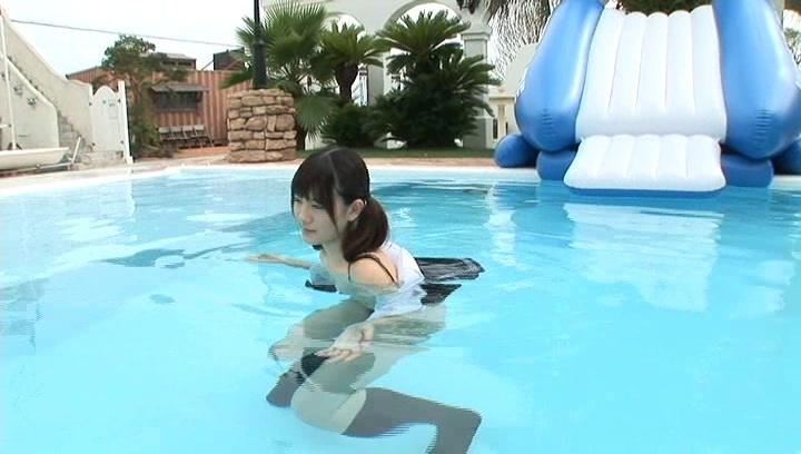 エロ画像jp ブリッジしながらオマンコ見せてくる露出狂! |