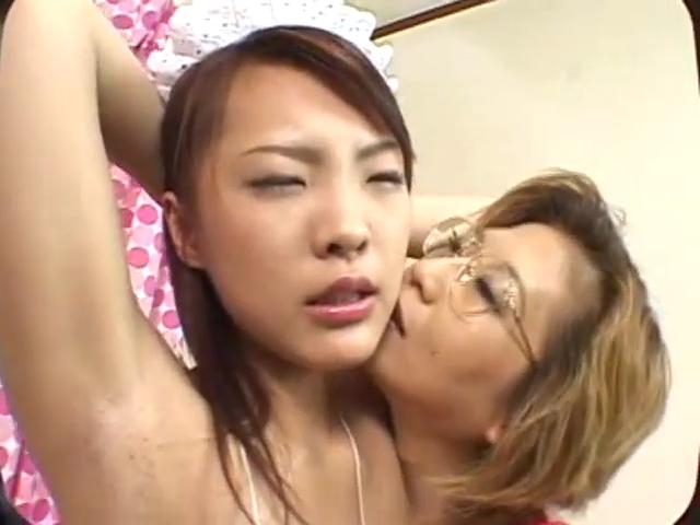美少女が麻縄で緊縛された状態でセックス